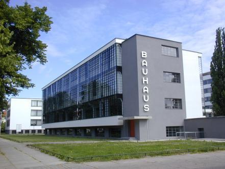 Dessau a colori for Costo per costruire un edificio