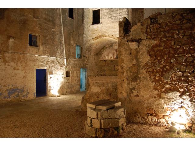 Arte contemporanea una mostra e un incontro sul destino for Planimetrie del palazzo mediterraneo